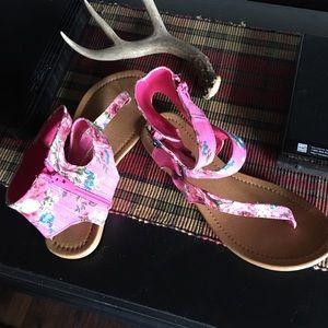 Size 9 Floral Sandals